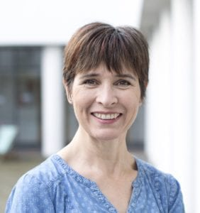 Wendy Powell Headshot