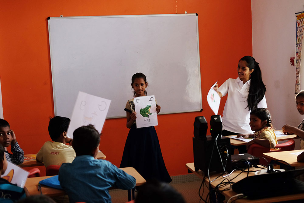An English class at the Community Center