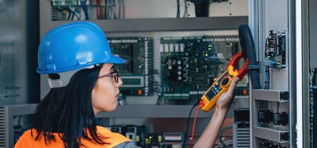 energy engineer working during covid-19
