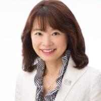 Toshie Takahashi headshot